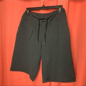 Lululemon long shorts - 4/6